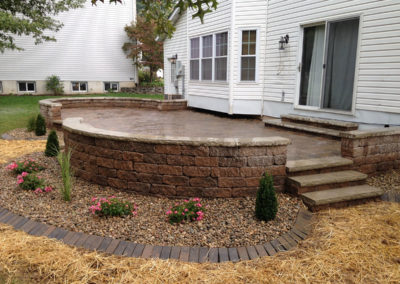 AJD Landscaping - Retaining Wall Deck